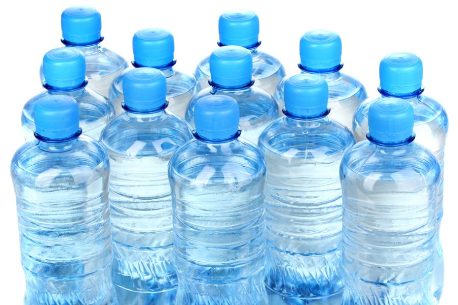 Os perigos de reutilizar sua garrafinha de água