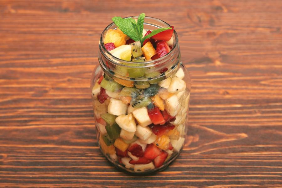 Pote de frutas: dica de lanche rápido e saudável