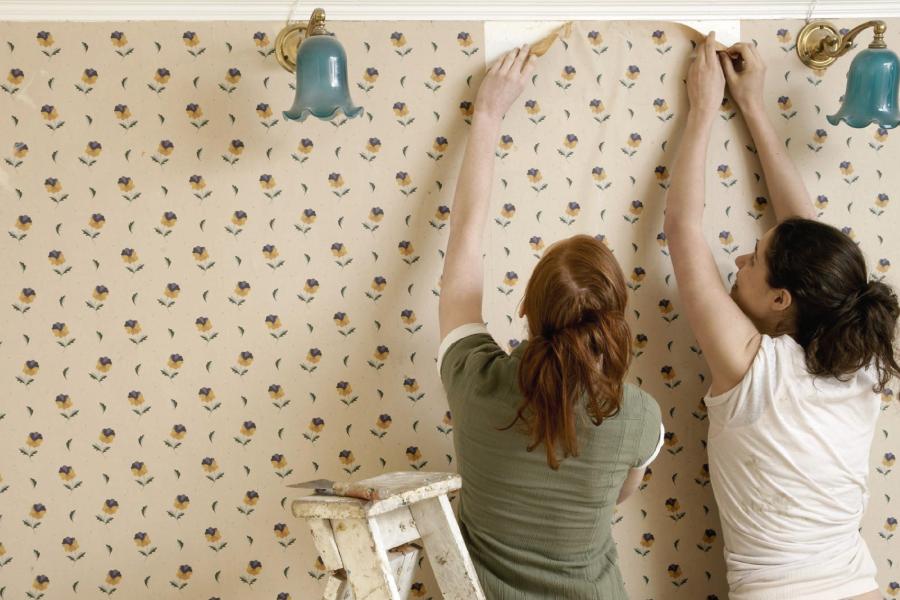 Decoração: 4 passos para retirar o papel de parede
