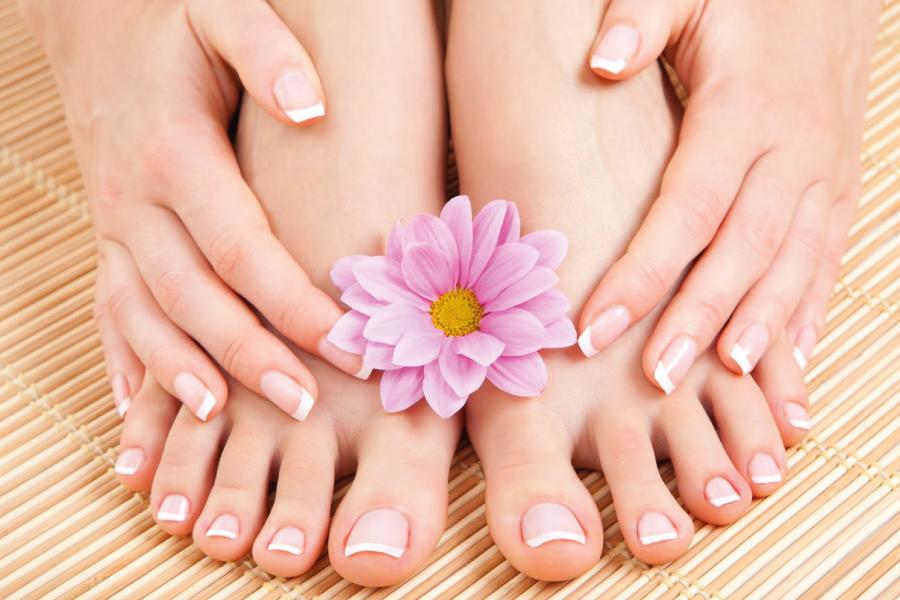8 Dicas para cuidar dos pés e mantê-los lindos