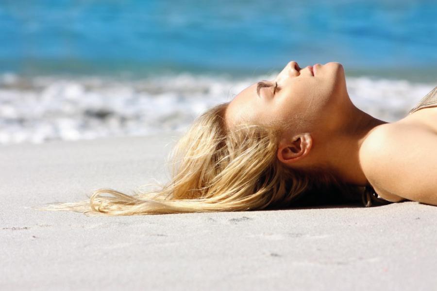 Erros de beleza na praia: saiba o que você está fazendo errado