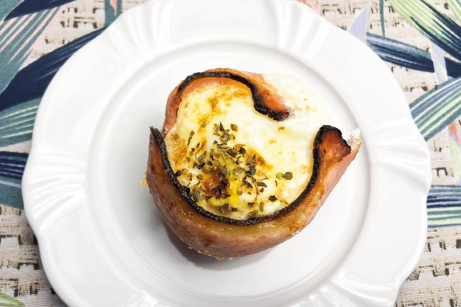 Cestinha de bacon e ovos